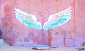 福岡の糸島にある天使の羽の壁画